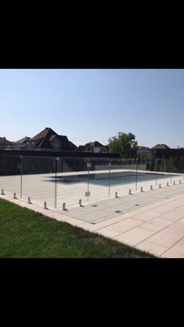 clôture de verre pour piscine et patio