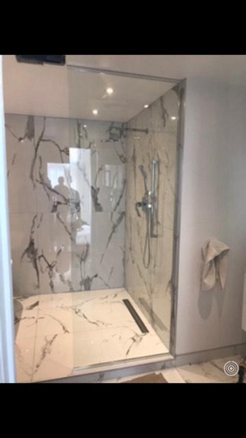 porte de douche verre, remplacement de porte de verre, douche cellier