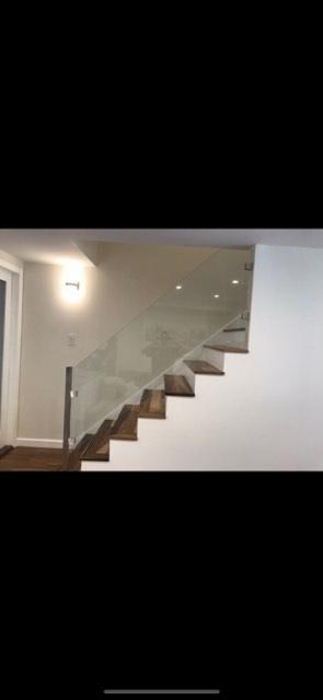 Panneau en verre pour rampe